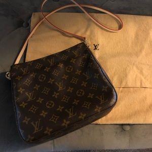 💯 authentic Louis Vuitton bag